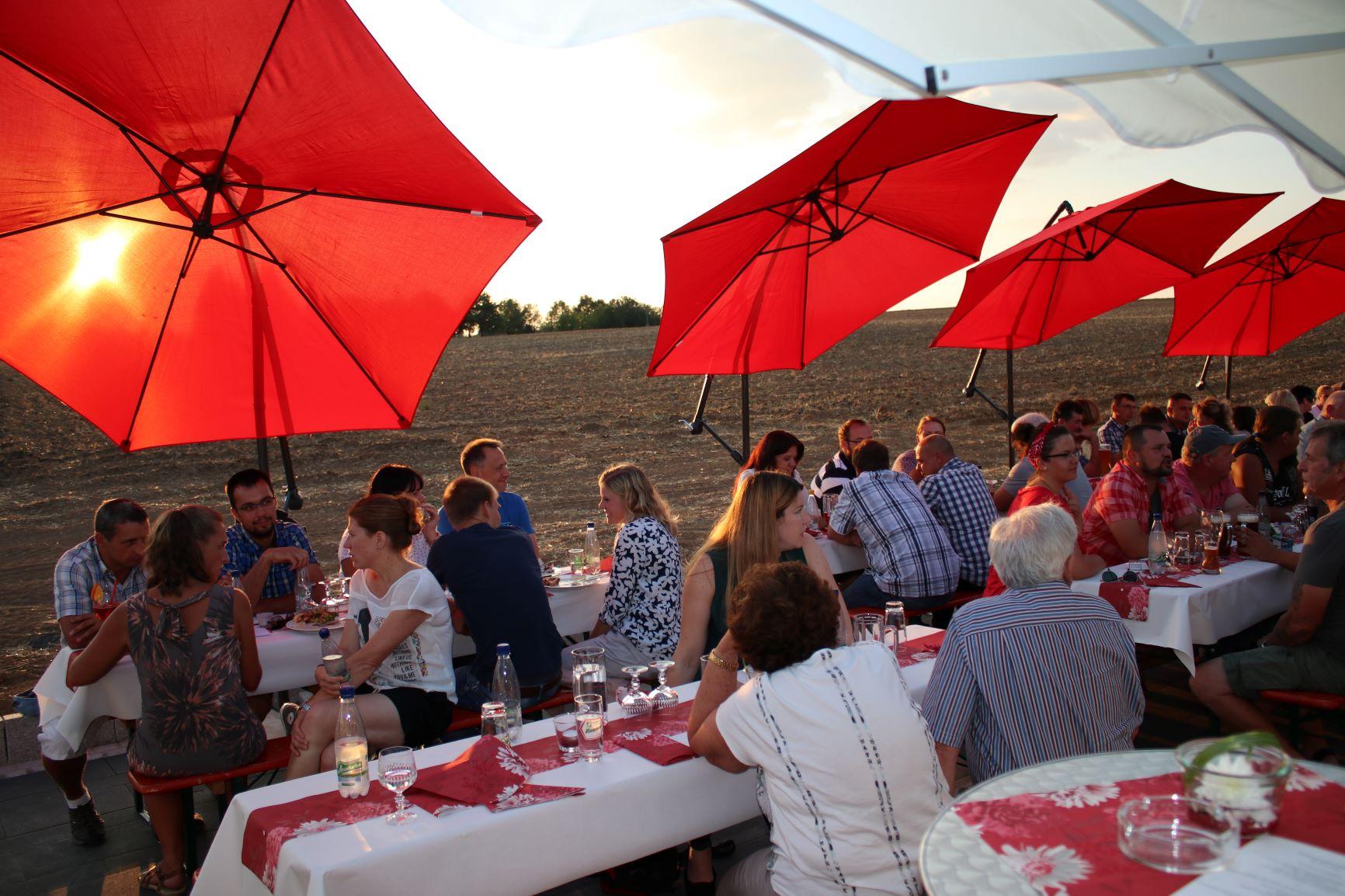 Sommerfest auf der neuen Terrasse